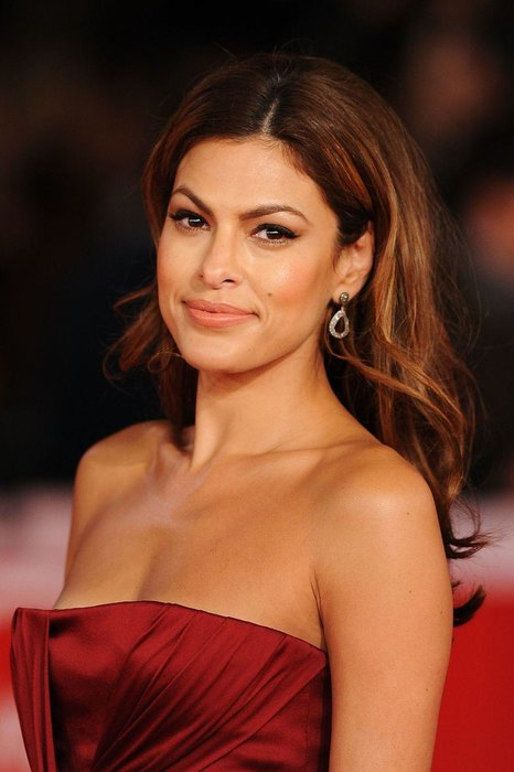 Eva Mendes - Not many people consider becoming a Catholic nun and then end up becoming a famous actress instead. Fewer still can be found in the music videos of the Pet Shop boys, Aerosmith, The Strokes, CeeLo Green and - biggest of all - Will Smith's 1998 smash 'Miami'. Even fewer again run their own bed linen and dinnerware business. All of which is a round about way of saying: these are some interesting facts about the beautiful person that is Eva Mendes.