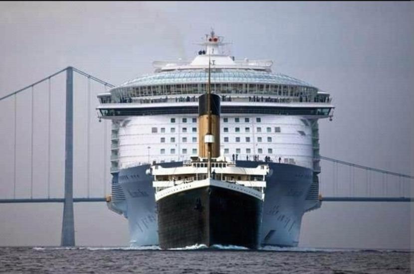 Titanic vs. Oasis of The Seas.