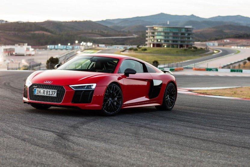 Audi R8, Review, Car review, Audi R8 V10, V10, R8, Dubai, UAE, Matthew priest, This man knows nothing about cars, Novice driver, Esquire, Esquire Middle East, Esquire review, Esquire uae, Supercar