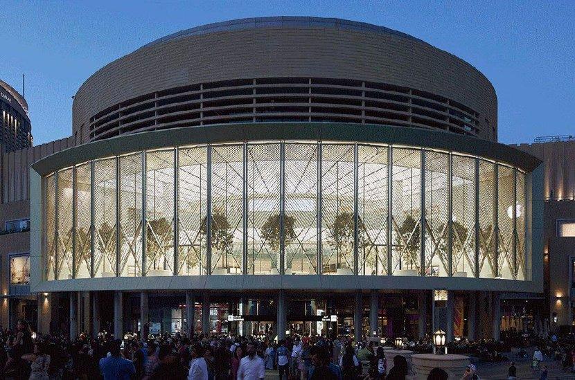 Apple, Apple Dubai, Dubai, Dubai Mall, Apple store, Apple store uae, UAE, Apple Dubai Mall, Biggest mall, Dubai fountains, Today at Apple