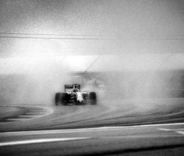 George Eastman, Kodak, 35mm, Paper film, SLR, SLR's, ISO, Photography, Joshua Paul, Graflex 4×5 view camera, Graflex, Lollipop, Spanish Grand Prix, F1, Formula One, Old camera, Shooting Formula One, Evergreen