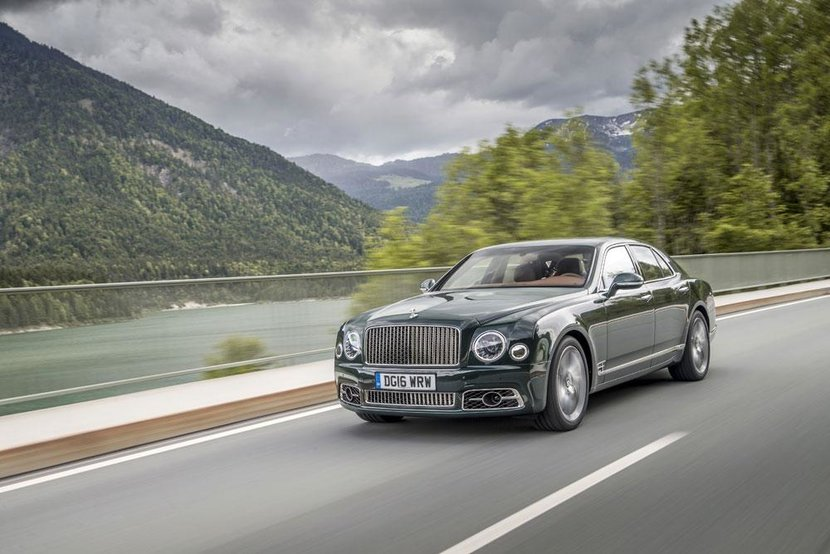 Bentley, Bentley Mulsanne, Mulsanne, Bentley Mulsanne Speed, Mulsanne Speed, Matthew priest, This man knows nothing about cars, Dubai, UAE
