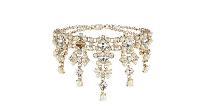 Accessorize pearl drop choker, Dhs189