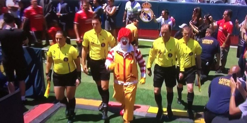 Ronald McDonald, McDonald, Manchester united, Man United, Man utd, Pre-season, US Tour, Twitter, Football, Levi's stadium