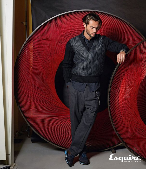 Woven leather V-neck sweater, Pleated trousers, Richelieu sneakers, Voyager GMT 41.5. All Louis Vuitton