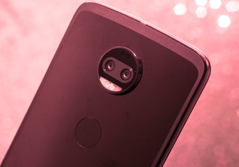 Motorola, Moto Z, Motorola Z2, Motorola Z2 Force, Moto Mods, Tech Talk, Smartpohones
