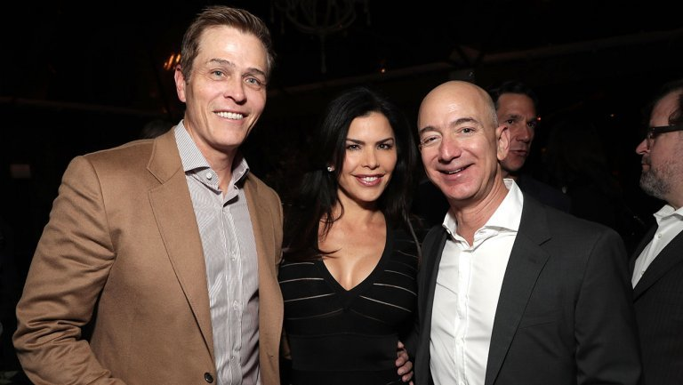 Patrick Whitesell, Lauren Sanchez-Whitesell and Jeff Bezos at a 2016 party.