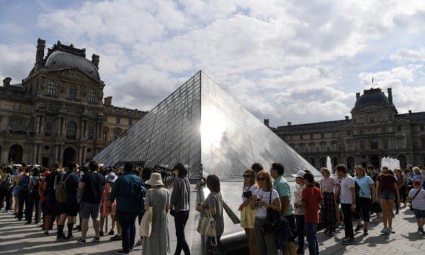 Louvre, Loure PAris, Overtourism, Paris, France