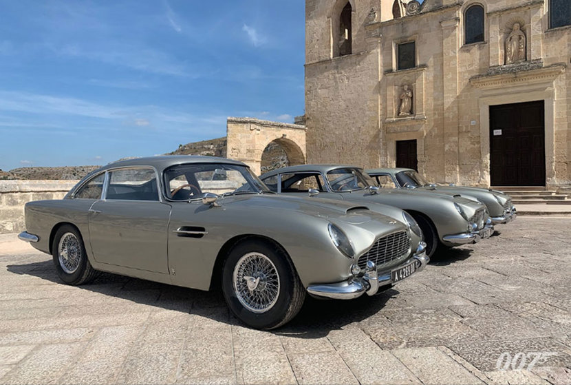 James Bond Shows Off Not One Not Two But Three Aston Martin Db5s Esquire Middle East