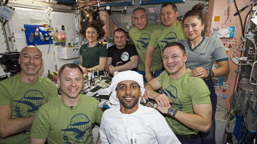 HAzza Al Mansouri, Space, Emirati