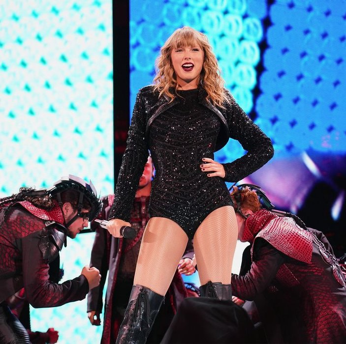 Entertainment, Taylor Swift