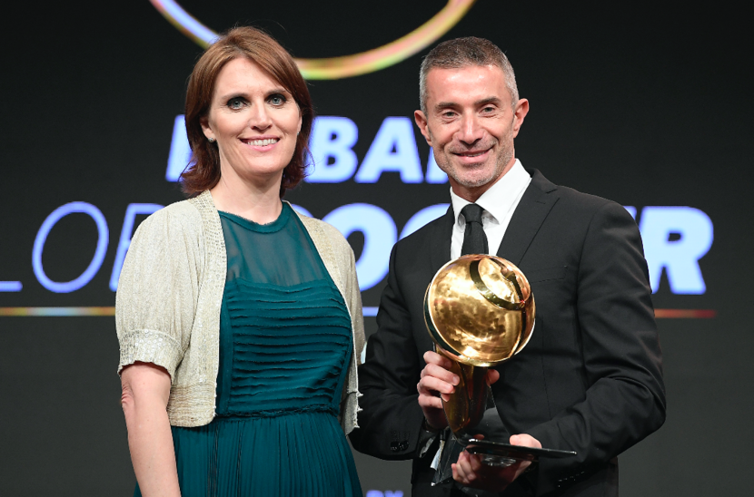 MD of ITP Media Group, Sue Holt, and Best Sporting Director winner Andrea Berta