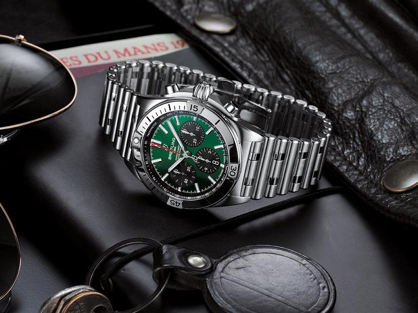 Breitling-Chronomat-B01-42-Bentley-Steel