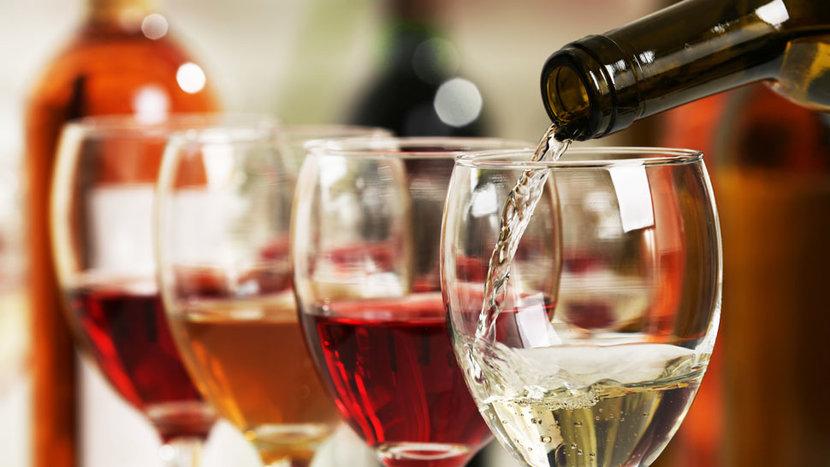 Dubai, Alcohol license, Renewal, Cost, 2020, Red, Black