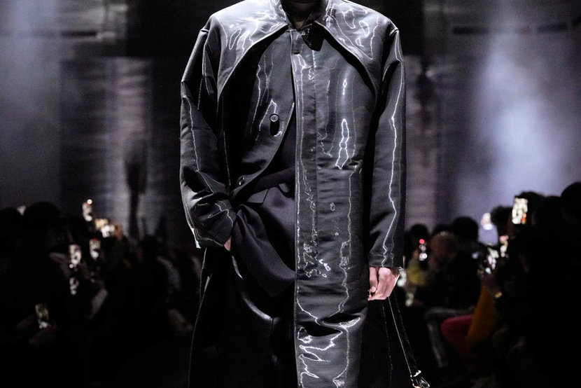PARIS FRANCE  JANUARY 19 A modelfashion detail walks the runway during the Dunhill Menswear FallWinter 20202021 show as part of Paris Fashion Week on January 19 2020 in Paris France Photo by Francois DurandGetty Images