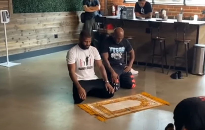Mike tyson, Saudi Arabia, Praying, Video, Viral Video