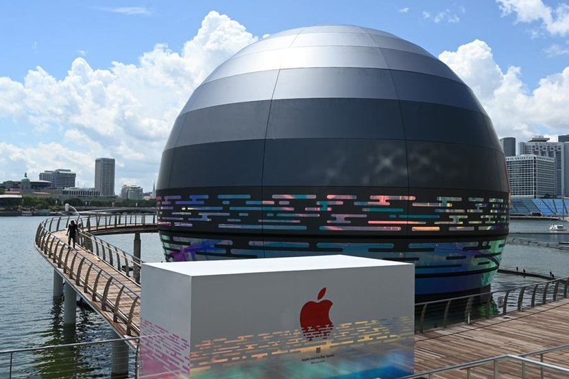 Apple store, Singapore, Marina Bay Sands, Star wars, Death Star, Floating Apple Store