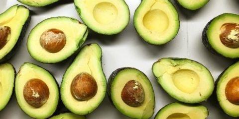Avocados, Slicing avocados, How to eat avocados, Avocado, Cutting avocado, How to, How to eat avocado, Secret avocado, Smashed avo, Smashed avocado, Avocado recipes