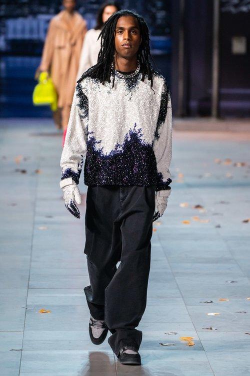 Fashion week, Male sweater